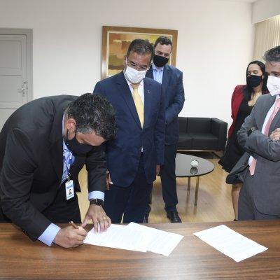 [OAB da Bahia e INSS assinam acordo de cooperação técnica]